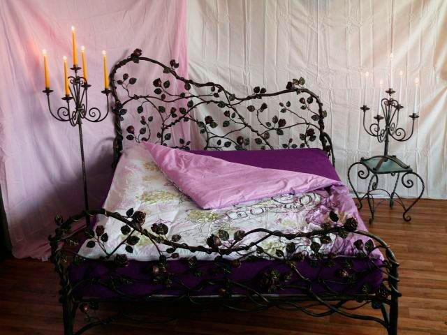 Необычный дизайн спального ложе