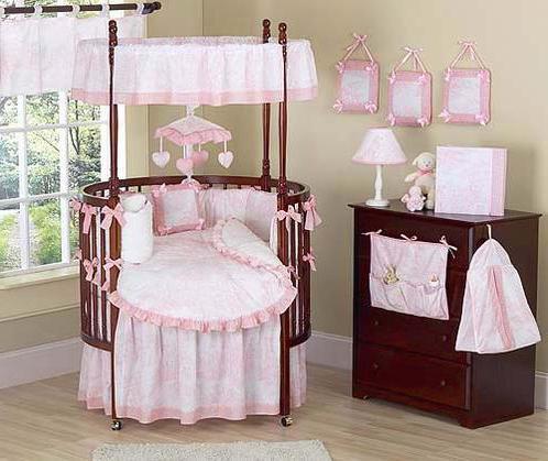 Овальная кровать-трансформер для девочки