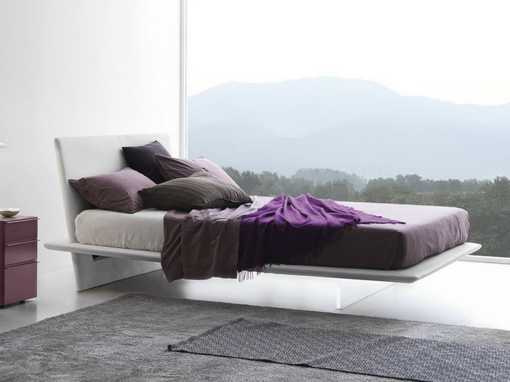 Парящая кровать в мужской спальне