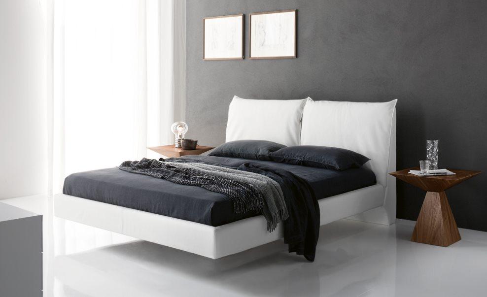 Парящая современная кровать