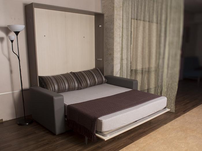 Практичное встроенное спальное ложе