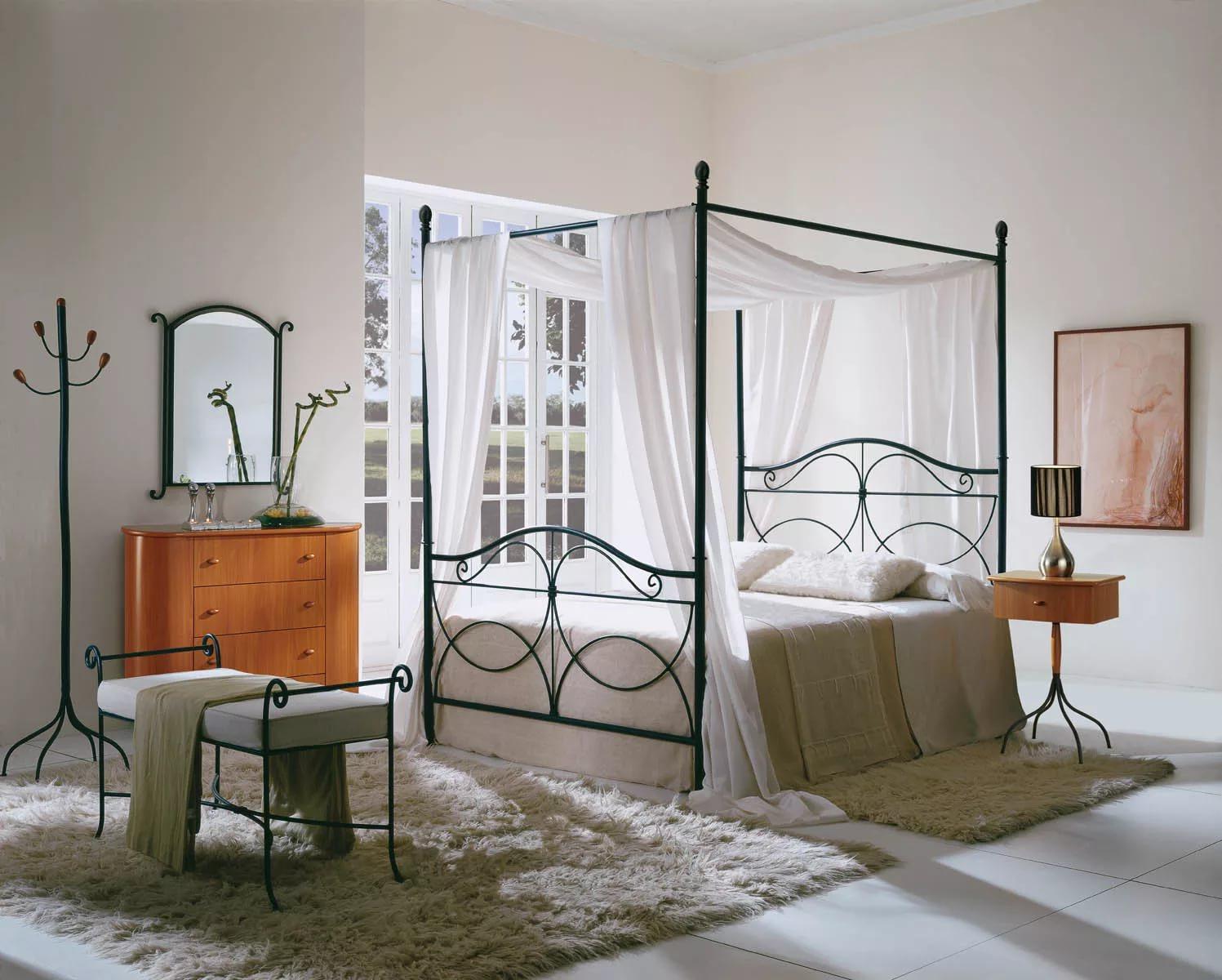 Пример кровати с красивым балдахином