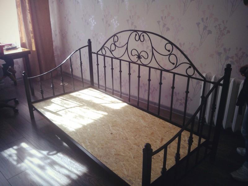 Пример малазийской кровати с усиленным каркас