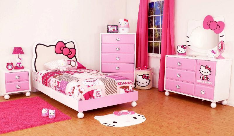 Расположение кровати в детской для девочки