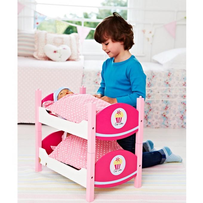Розовые предметы мебели для игр ребенка