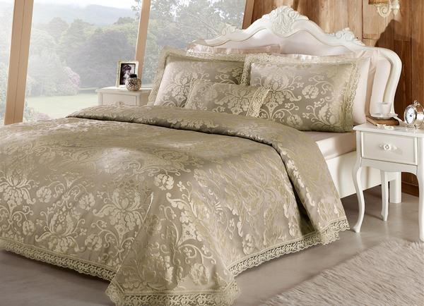 Шикарное покрывало для стильной спальни