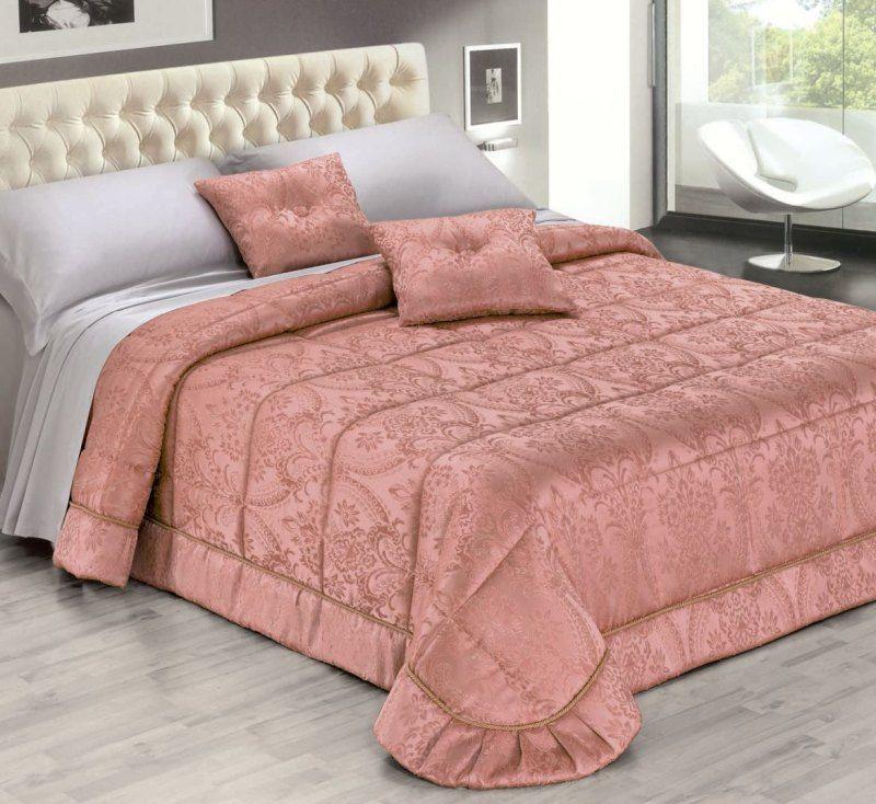 Сшить стеганое покрывало на кровать