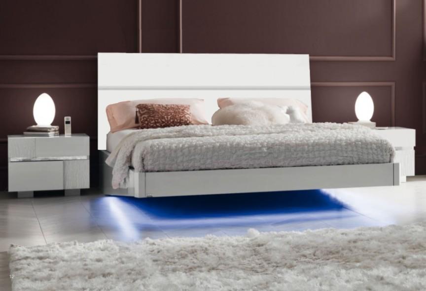 Светодиодная подсветка по нижнему периметру кровати