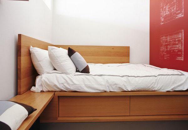 Угловая кровать идеальна для комнаты, где каждый сантиметр на счету