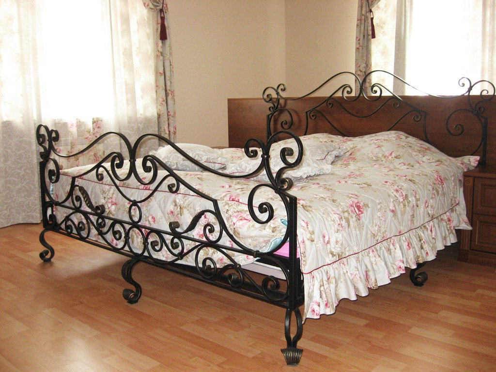 Вариант двуспальной кровати