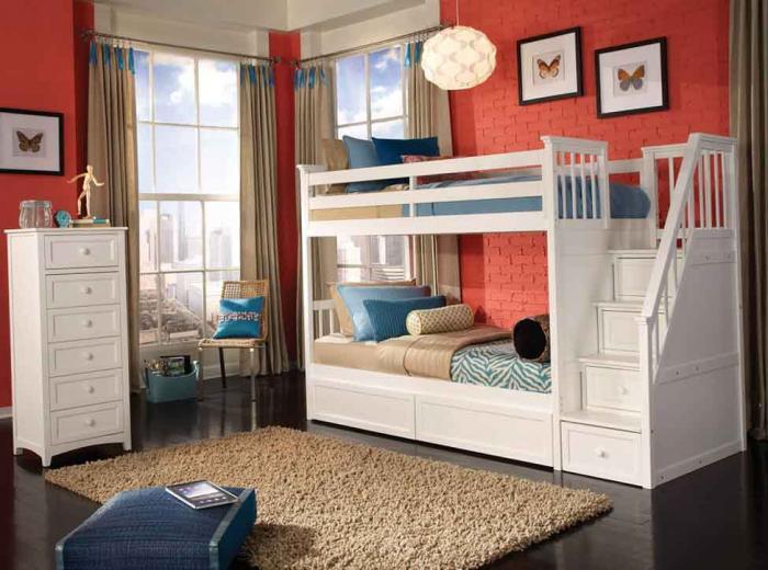 Выбираем удобную двухъярусную кровать для детей