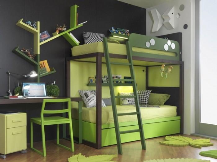 Зеленая кровать
