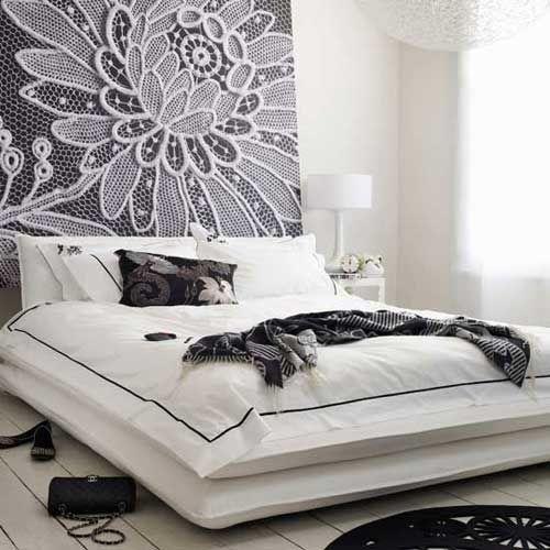 Белоснежная удобная кровать