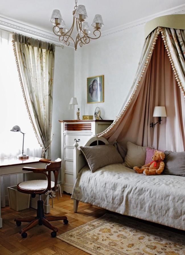 Детская односпальная кровать с балдахином