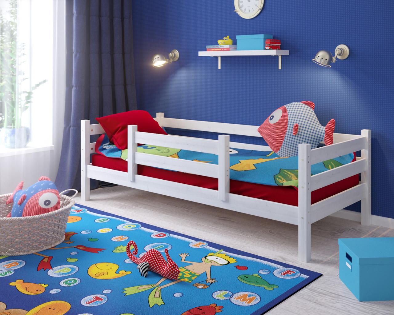 Детские предметы мебели из дерева белого цвета