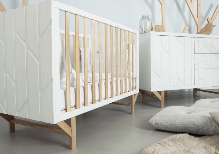 Классический вариант спального ложе от 0 до 3 лет