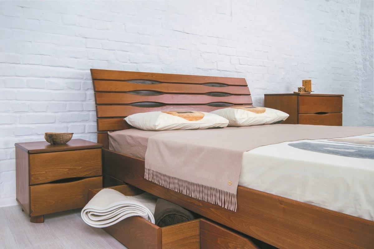 Комбинирование материалов в процессе изготовления кровати