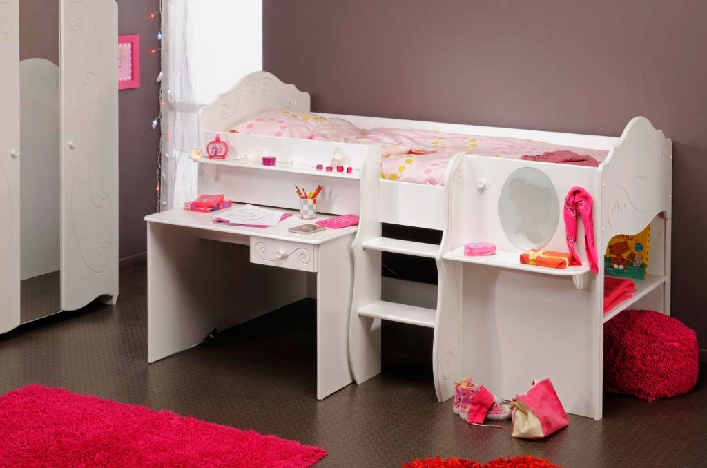 Кровать-чердак для девочек с выдвижным столом