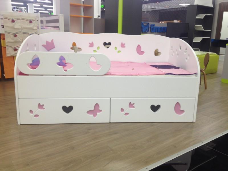 Кровать-диван для девочки 2 лет