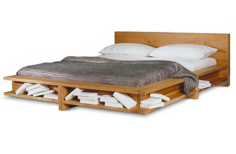 Кровать с полками
