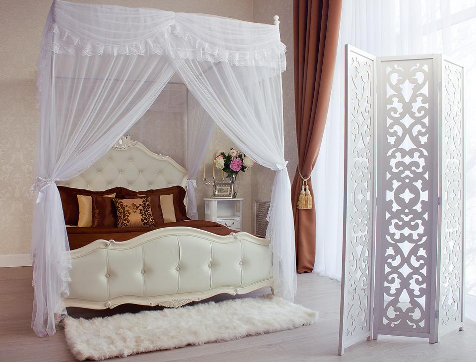 Нежная кровать с балдахином