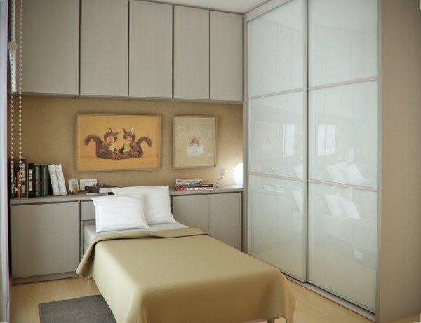 Односпальная кровать для маленькой, но уютной и современной спальни