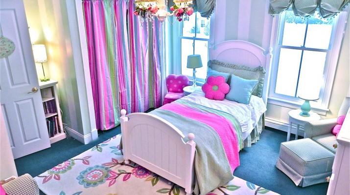 Односпальная удобная кровать для ребенка