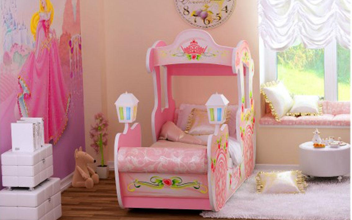 Розовая кровать машинка для девочки