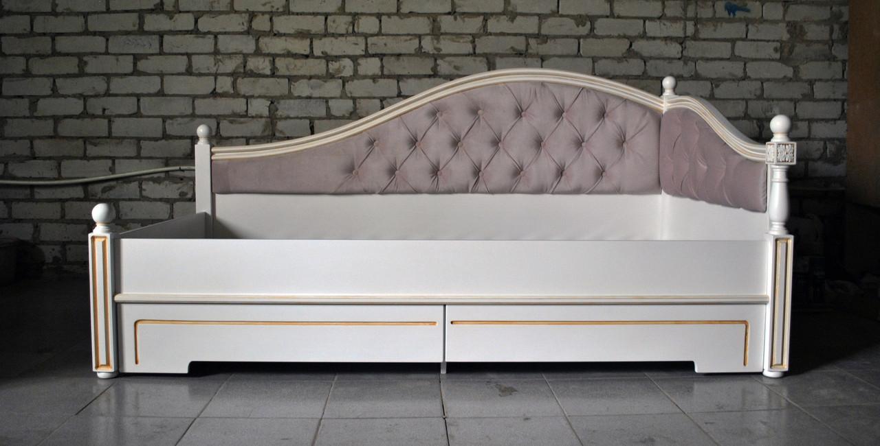 Стильное спальное ложе для одного человека