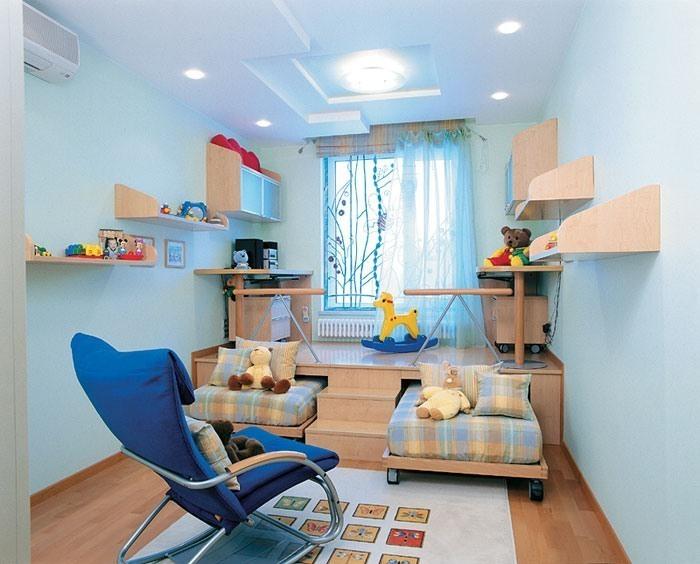 Стильный подиум в детской комнате