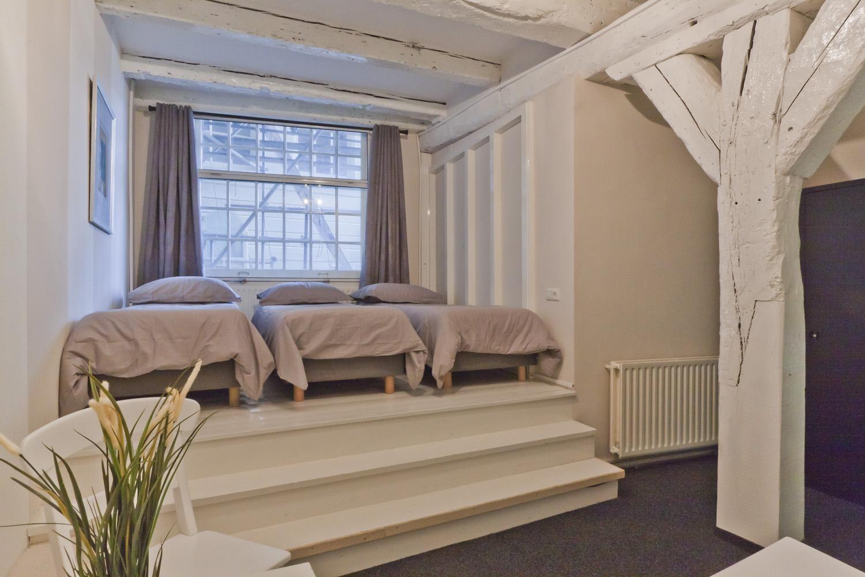 Удобное спальное ложе для спальни ребенка