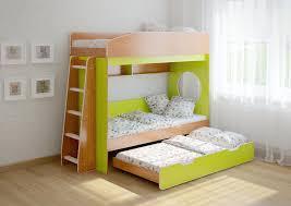 В некоторых моделях второе спальное место выдвигается вдоль основного