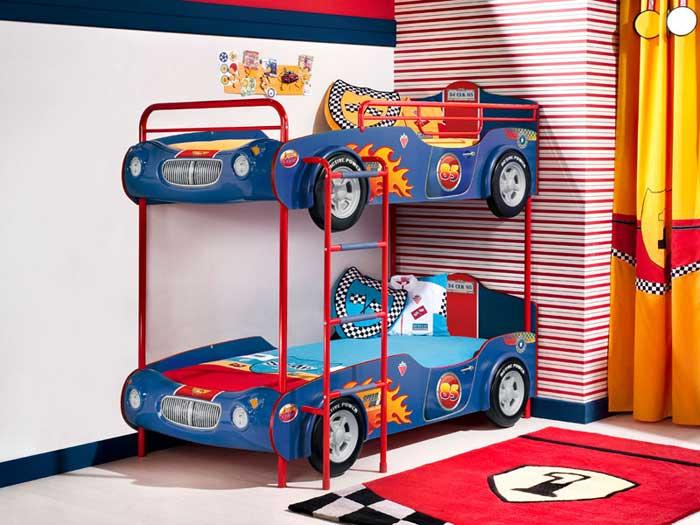Двухярусная кровать-машина