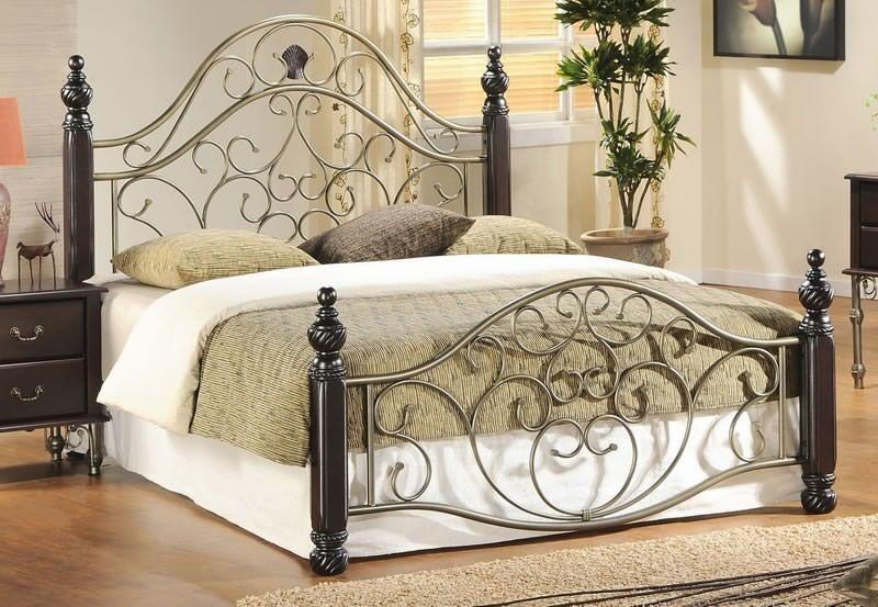 Двуспальные металлические кровати из италии