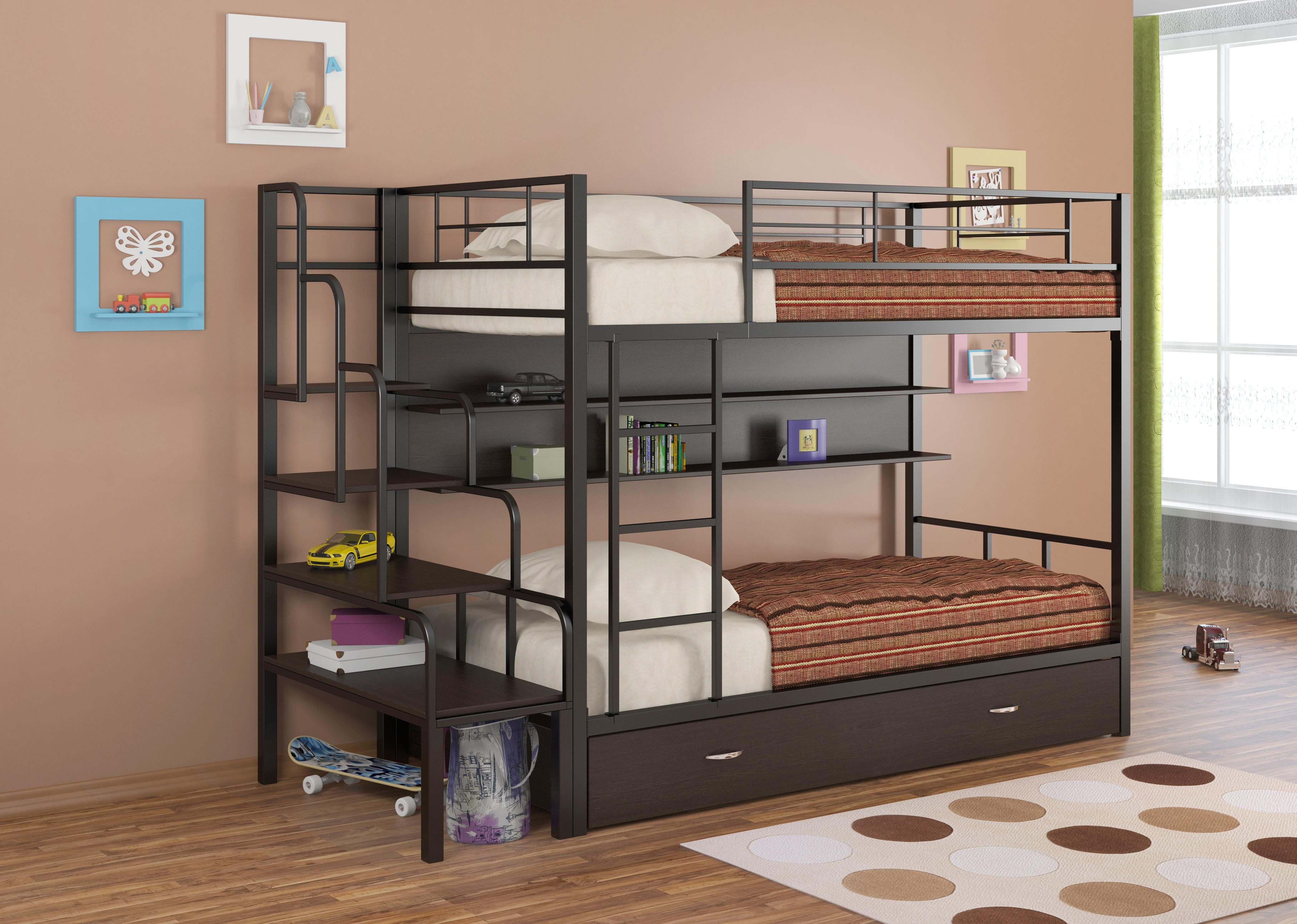 Кровать с металлическими элементами