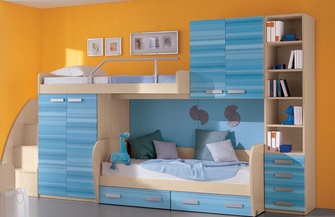 В качестве материала для изготовления деревянной двухъярусной кровати чаще всего используют сосну
