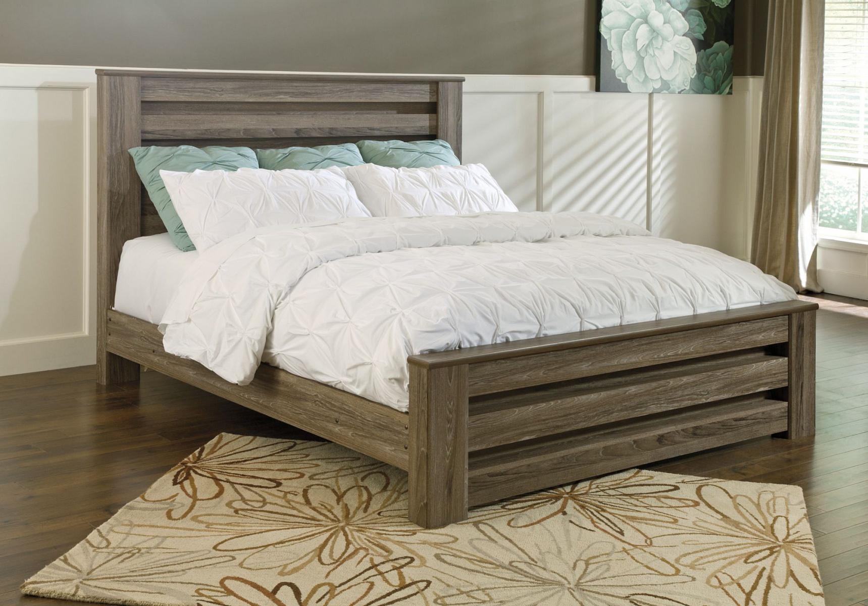 Двуспальная кровать King Size с низким изголовьем