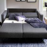 Разложенный диван-кровать