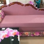 Цветочный принт на мебели