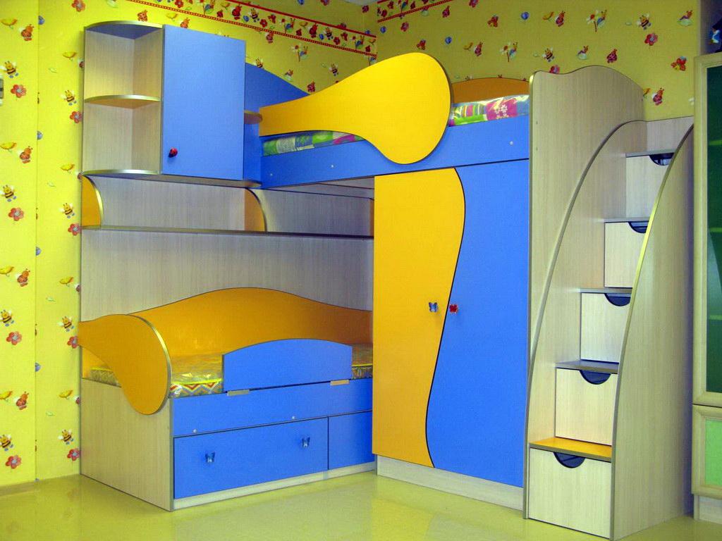Яркие цвета мебели для ребенка