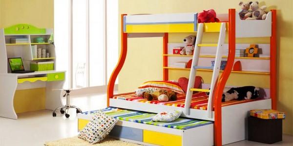 3-х местная кровать с выдвижными ящиками