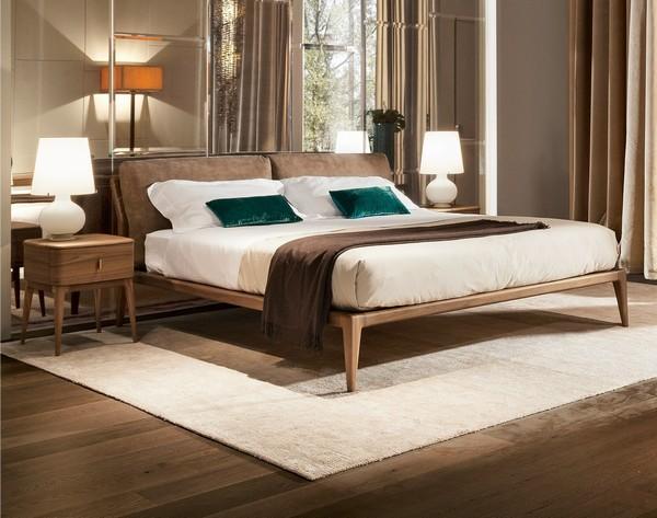 Итальянская кровать с мягким изголовьем