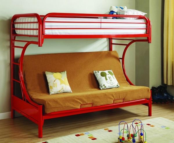 Красная металлическая кровать
