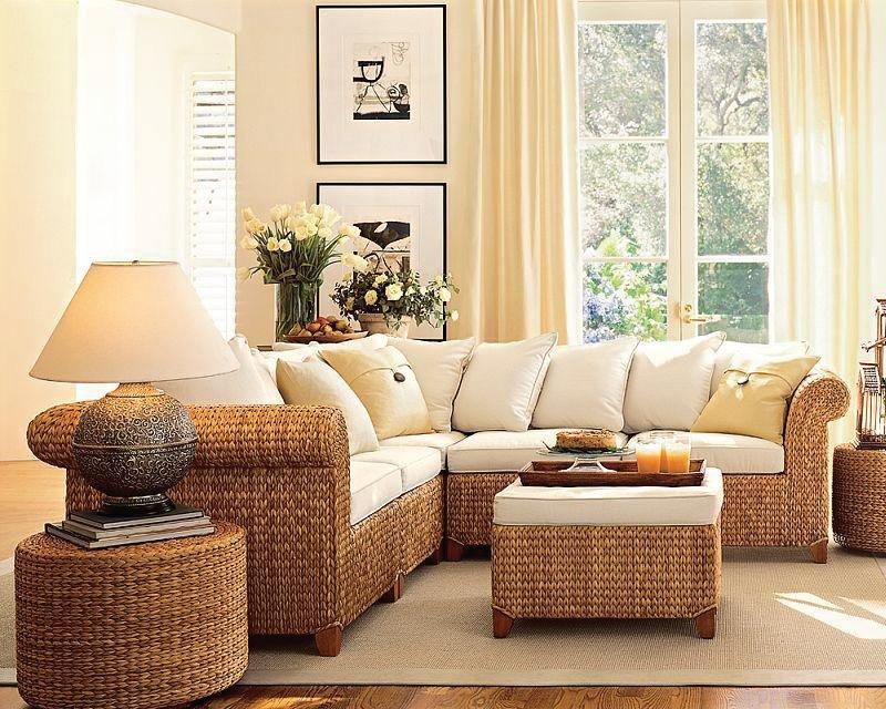 Белый диван из ротанга в эко-стиле