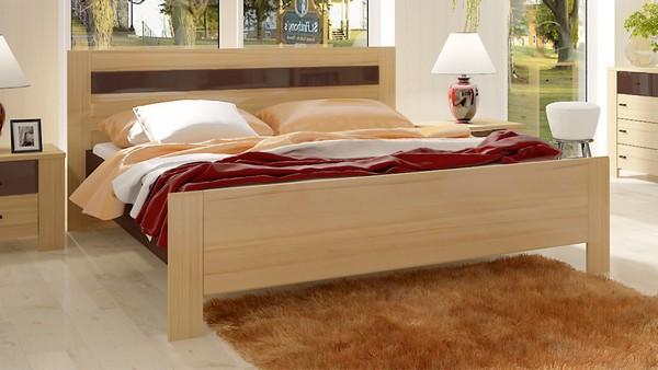 Кровать с каркасом из ДСП