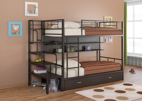 Кровать из металла с полочками
