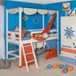 Детская кровать-чердак в морском стиле