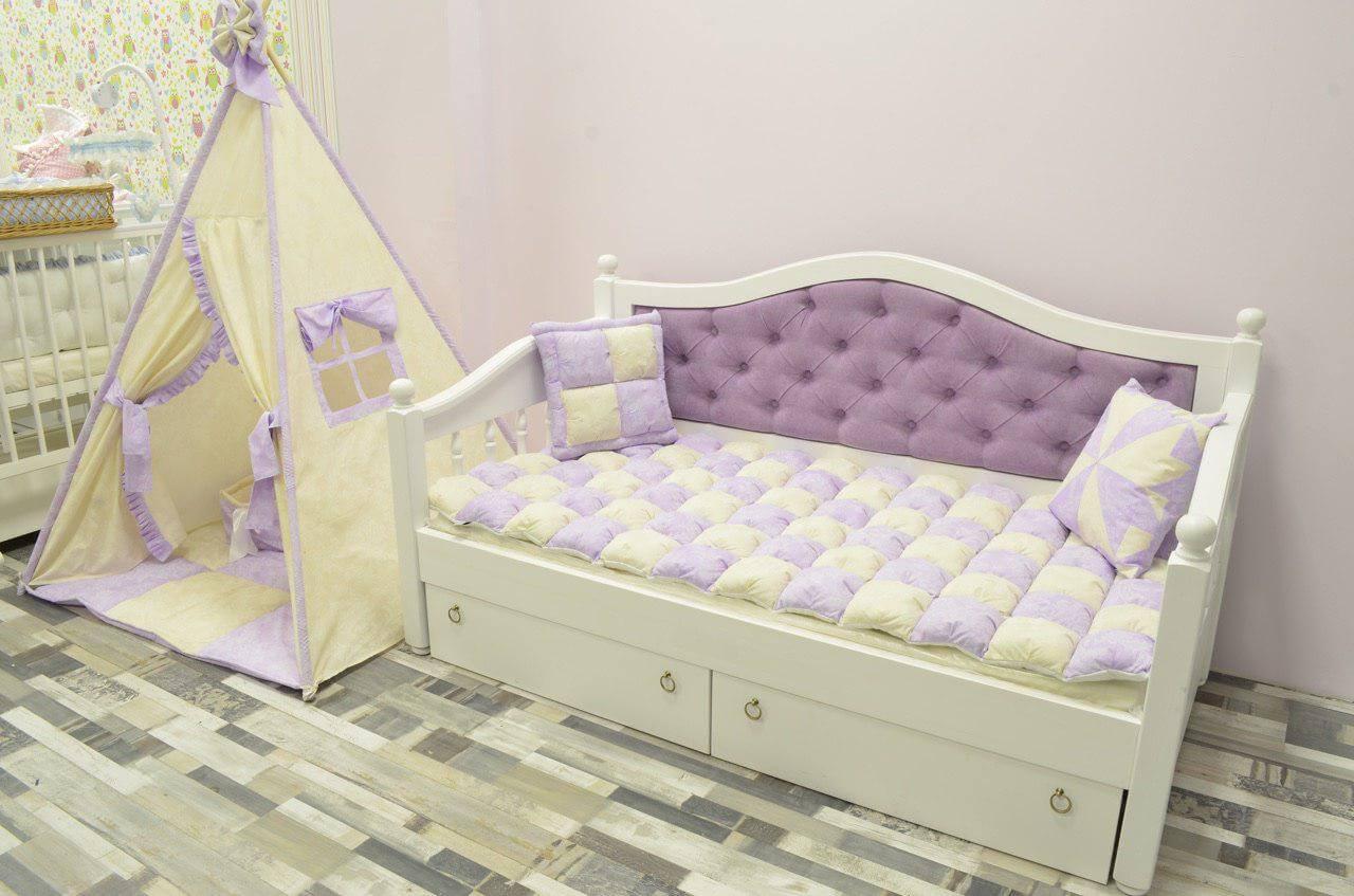 Детская кровать с мягкой спинкой