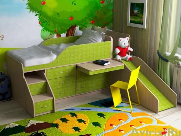 Детская кровать-чердак с выдвижным столиком