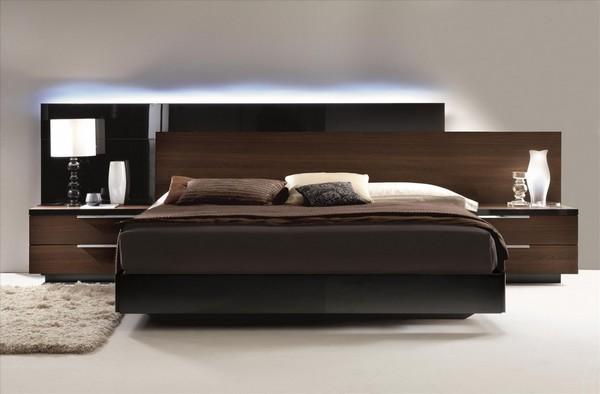 Двуспальная кровать в стиле модерн